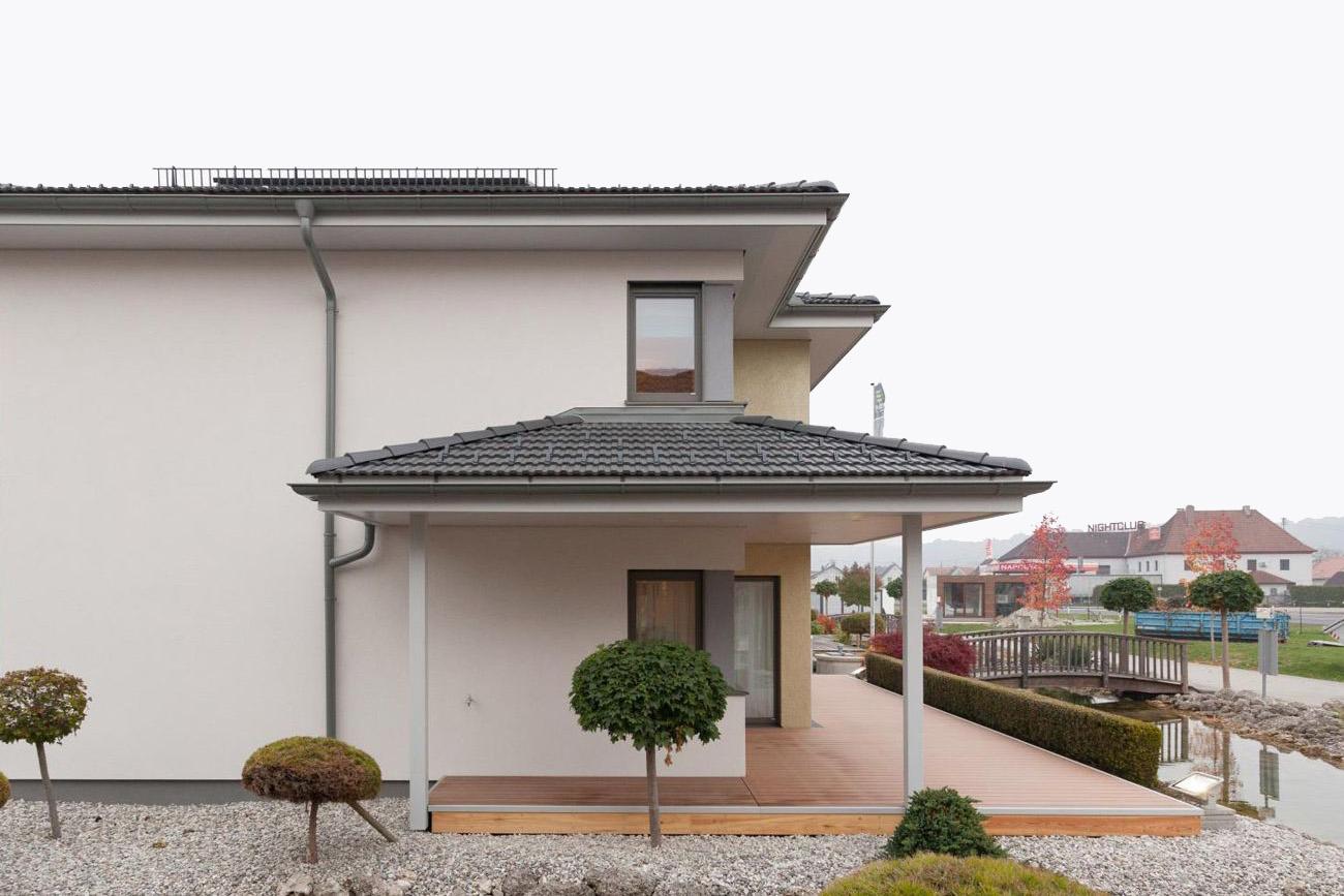 Musterhaus Linz-Haid, Trend 146 W Var.Haid mit Erker und Fundamentplatte